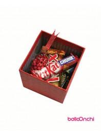 پکیج هدیه شکلات و شمع قلب در جعبه مقوایی