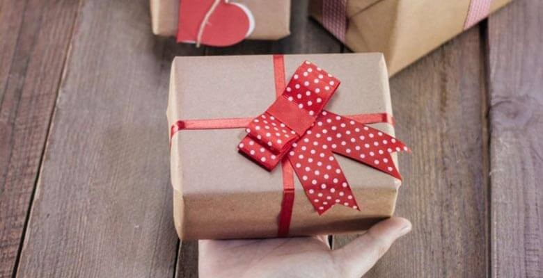 خرید و ارسال هدیه تولد، بسته تبریک و سورپرایز عاشقانه از راه دور