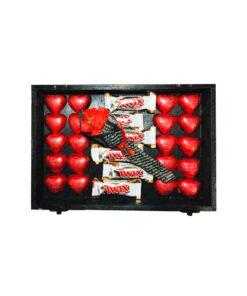 جعبه شکلات قلبی قرمز چوبی