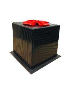 جعبه مشکی ربان دار قرمز